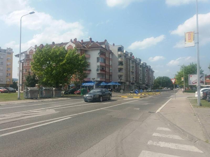 Pretučen na ulici u Banjaluci: Dvojica napala mladića, hitno prevezen u bolnicu
