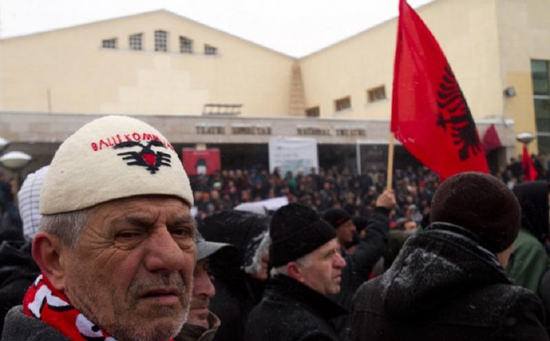 Srbi sa juga prodaju imovinu Albancima