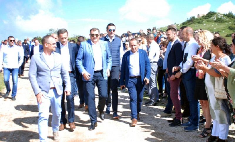 Dodik: Na Jahorini bolje nego na moru