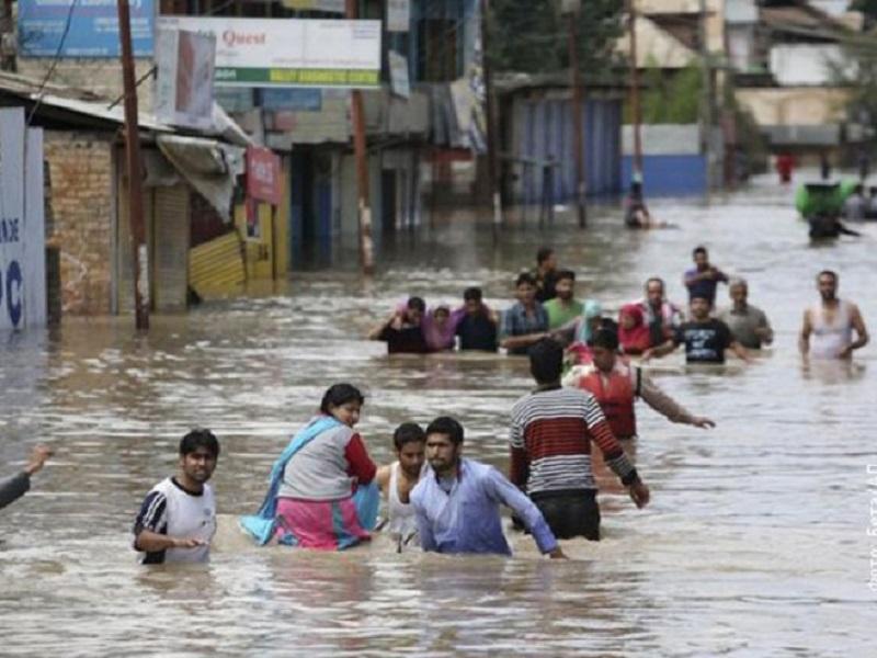 Indija: U poplavama 324 žrtve