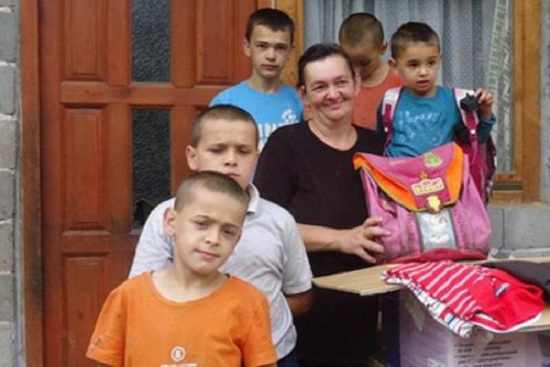 Pomozimo dvanaestočlanoj porodici: Žive od 180 maraka dječijeg dodatka, nemaju ni za liječenje