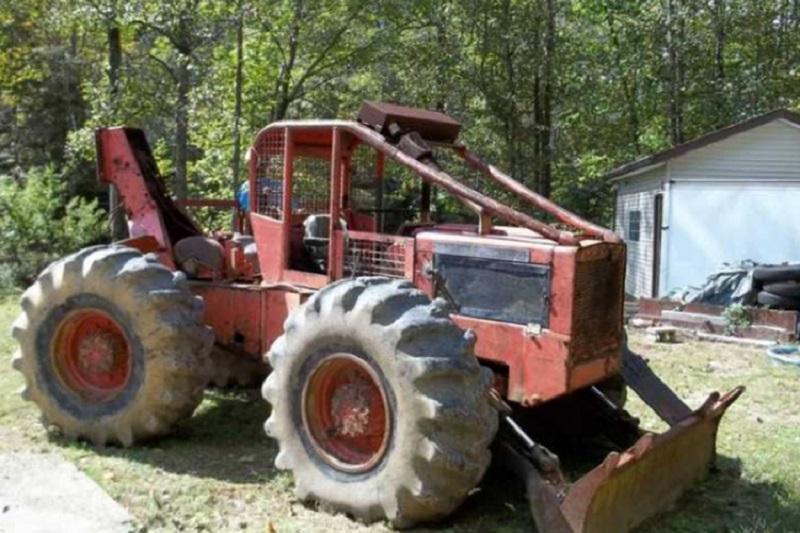 Stravična smrt u Derventi: Šumski traktor se otisnuo i pregazio muškarca