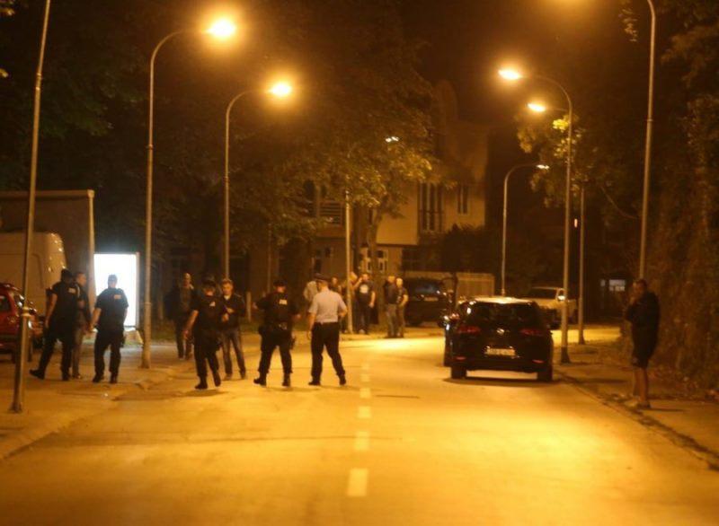 Ubistvo u Banjaluci: Muškarac likvidiran u sačekuši, ranjena žena prebačena u UKC