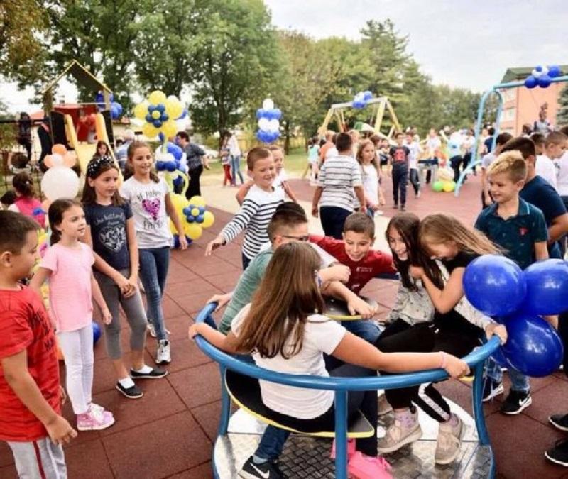 Izgrađeno novo dječije igralište u Lazarevu (FOTO)
