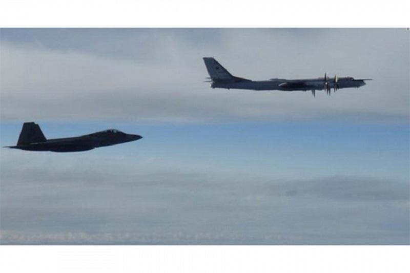Američki lovci presreli ruske bombardere kod Aljaske