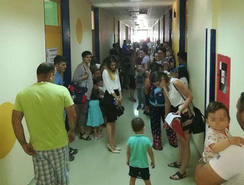Roditelji na rubu živaca: Zbog gužvi na dječijoj hirurgiji čekaju po 4 sata