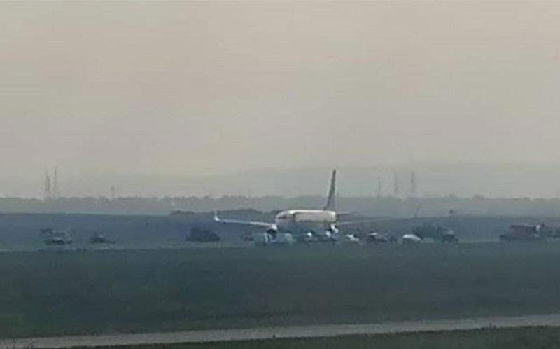 """Uklonjen avion """"Idžipt era"""", aerodrom se otvara za saobraćaj"""
