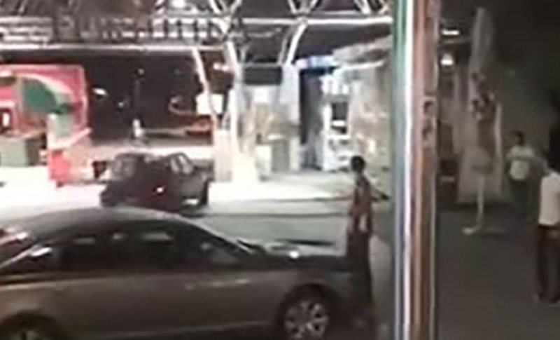Banjaluka: Uhapšen mladić koji se automobilom spustio niz stepenice Tržnice (VIDEO)