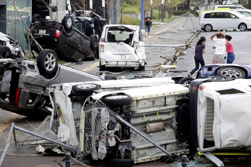 Najmanje 10 mrtvih poslije naleta tajfuna u Japanu