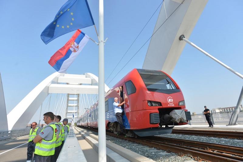 Vučić i Han otvorili Žeželjev most u Novom Sadu