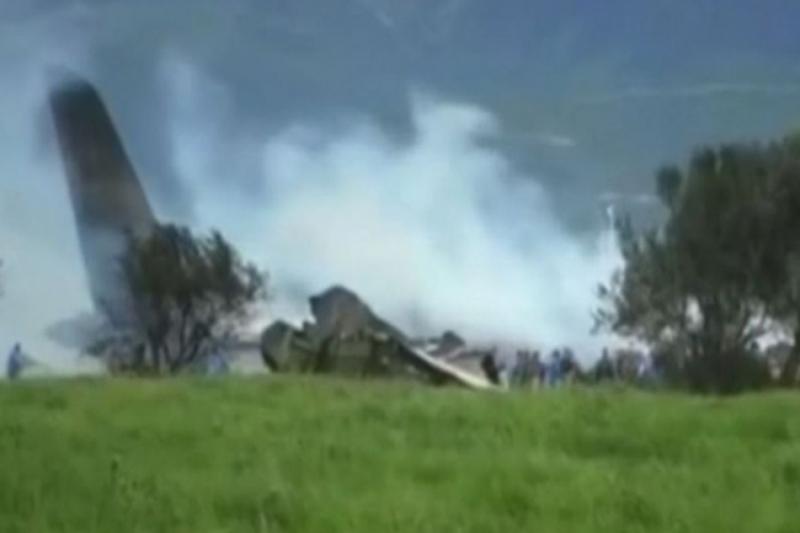 U padu aviona poginulo najmanje 17 osoba