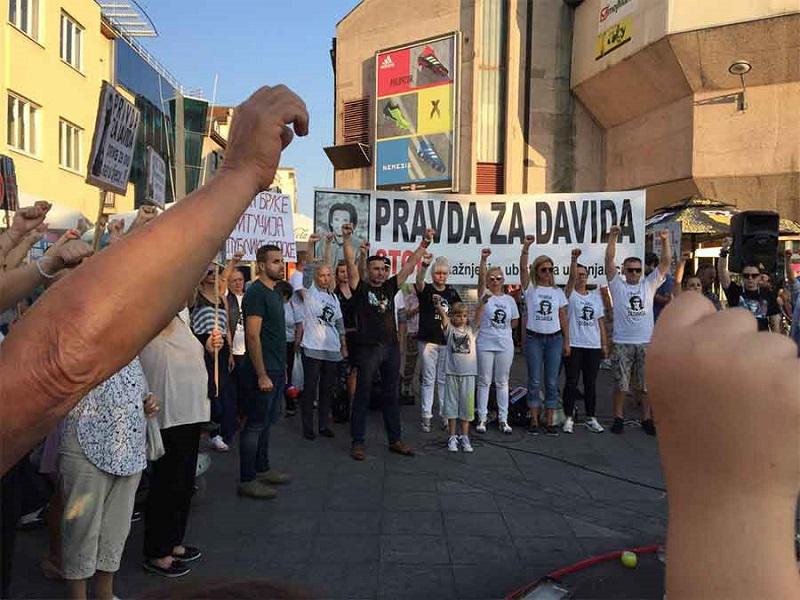 Davor Dragičević sa Trga Krajine: Kažu da je Banjaluka siguran grad, a svaki dan nas je sve manje