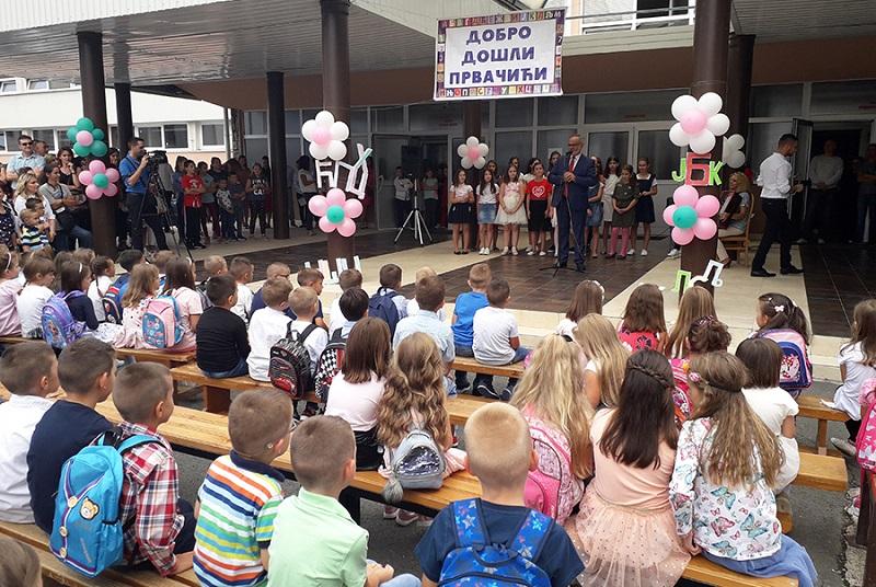 Malešević: Možemo opstati samo ako ima djece u školama