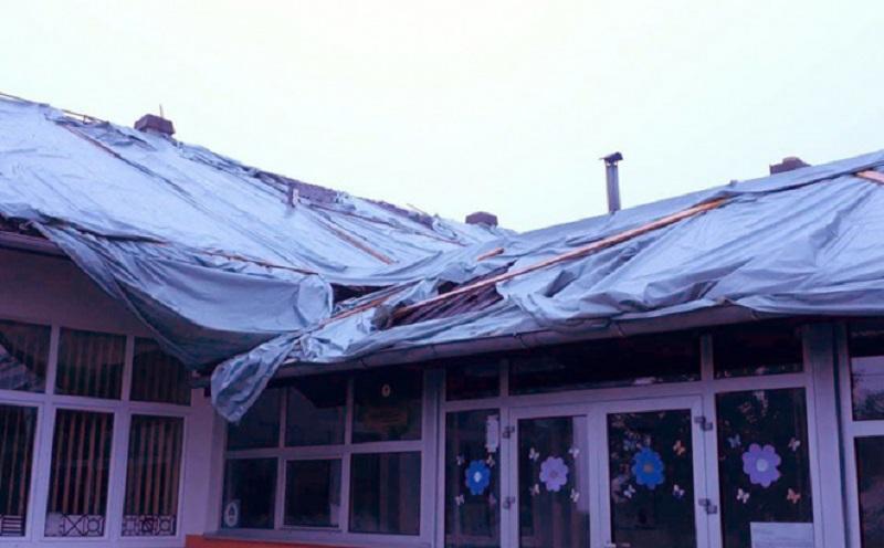 Đake u Verićima dočekao najlon umjesto krova