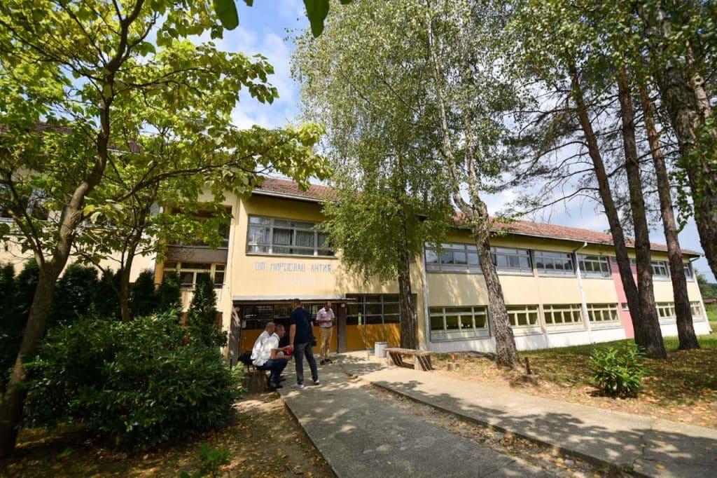 Obnovljeno 12 škola, radi se u još četiri