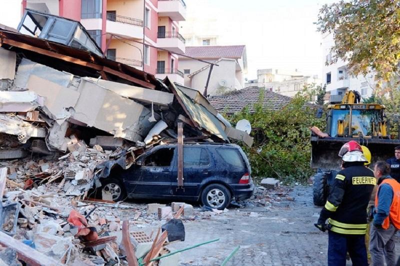 Ljudi na ulicama, potpuni kolaps nakon novog zemljotresa u Albaniji