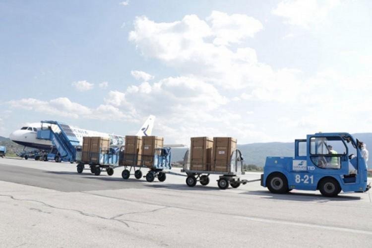 """Sporni respiratori """"Srebrene maline"""" odvezeni s aerodorma"""