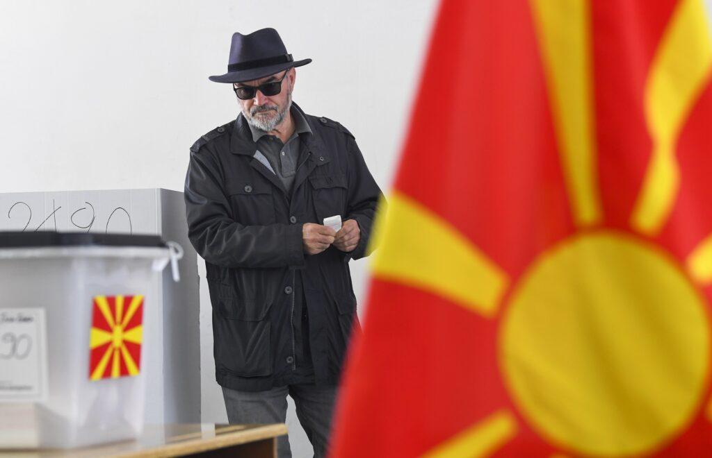 Izborna tišina u Sjevernoj Makedoniji, danas glasaju oboljeli od kovida