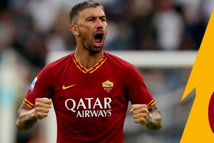 Kolarov napušta Romu, dogovorio prelazak u drugi italijanski klub?