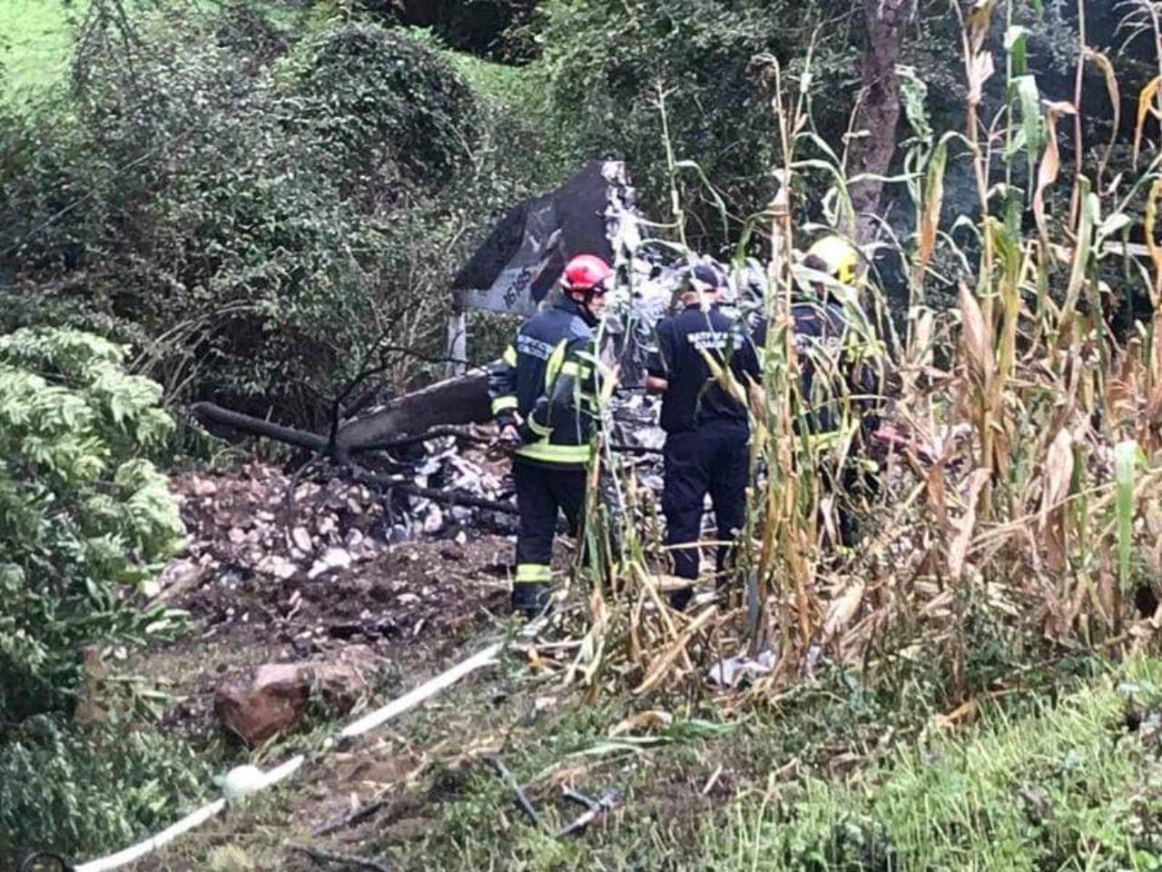 Na mjestu nesreće vatrogasci, vojska i policija: Ne zna se šta je s pilotima
