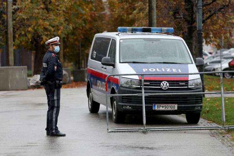 Austrija razmatra uvođenje policijskog časa