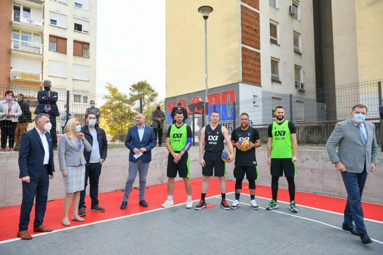 Dodik, Cvijanovićeva i Radojičić sa svjetskim prvacima u basketu