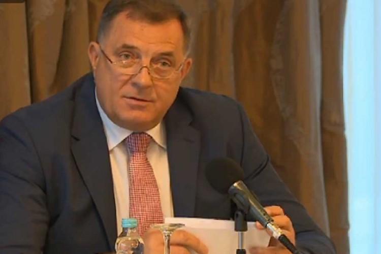 Dodik: Nastavu u školama vratiti od ponedjeljka
