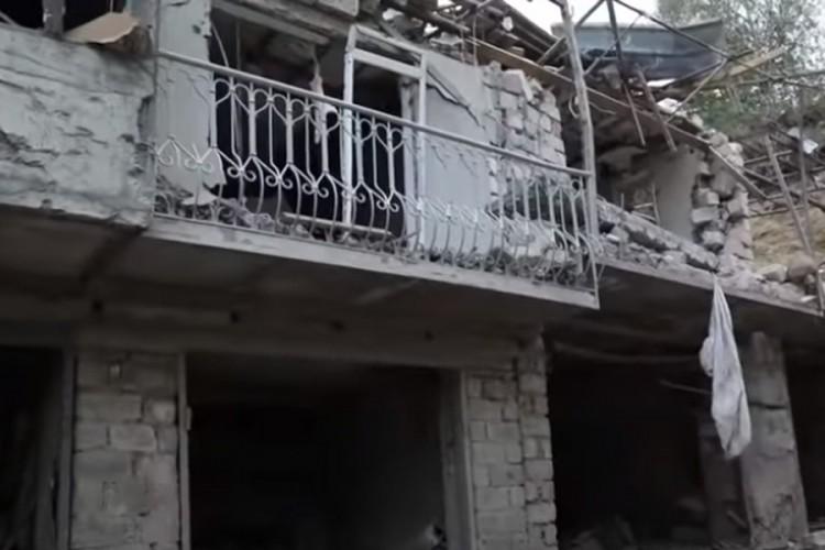 Novi snimci iz Nagorno-Karabaha: Odjekuju eksplozije, zgrade uništene