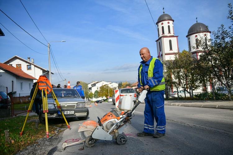 U banjalučkoj Tuzlanskoj ulici počela gradnja vodovoda i kanalizacije