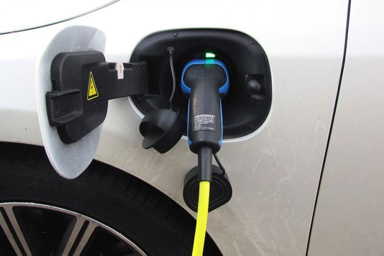 Skočila prodaja električnih i hibridnih vozila u Evropi