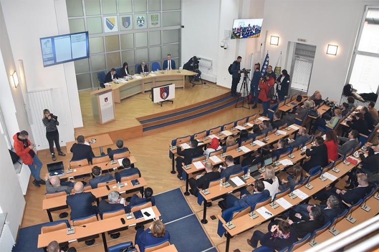 Skupština Kantona Sarajevo prihvatila ostavku premijera, razriješena Vlada
