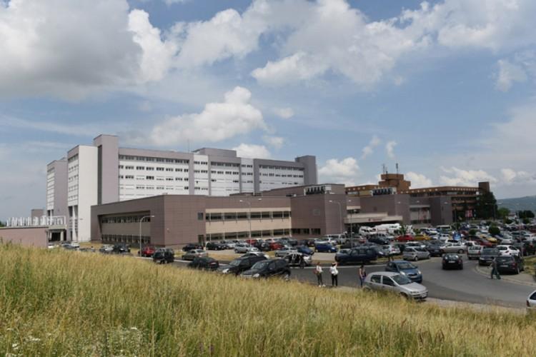 Pacijentkinja na UKC-u RS izvršila samoubistvo