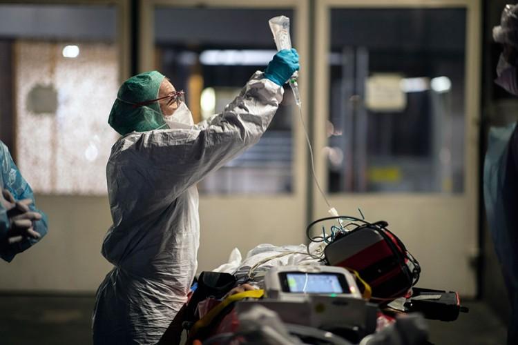 Najnovije istraživanje: Mutirani soj virusa infektivniji, ali blaži