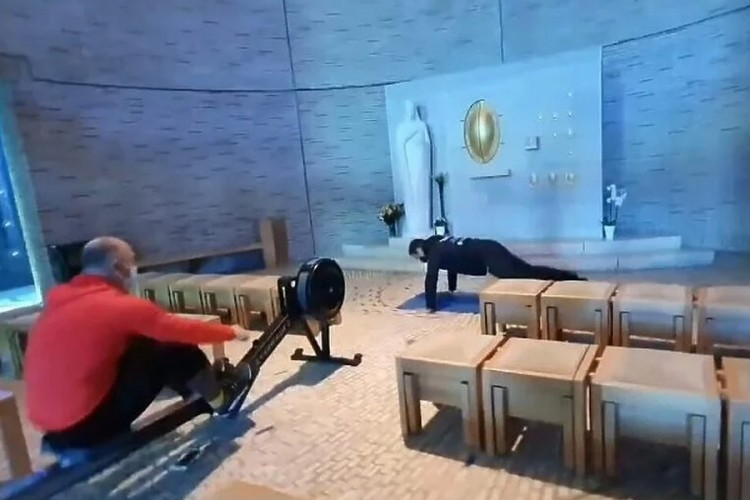 Hrvati zatvorili teretane, mladići sprave odnijeli u crkvu i vježbali
