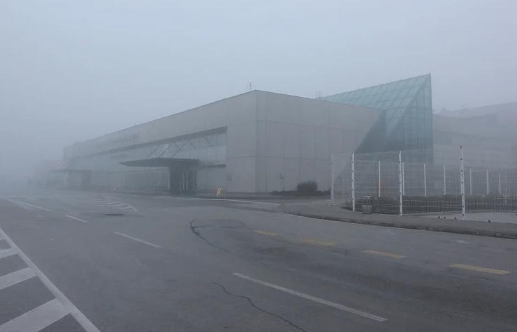 Nezdrav vazduh, magla blokirala aerodrom u Sarajevu