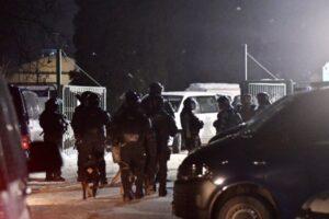 Uništeno 26 automobila tokom sukoba u migrantskom kampu u Blažuju