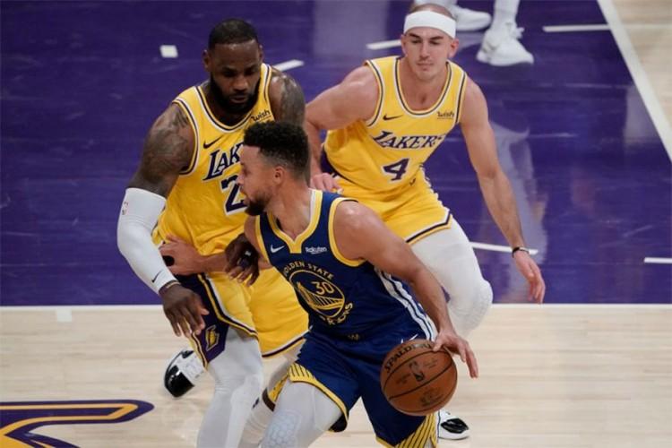 Kari srušio Lebrona i šampione NBA