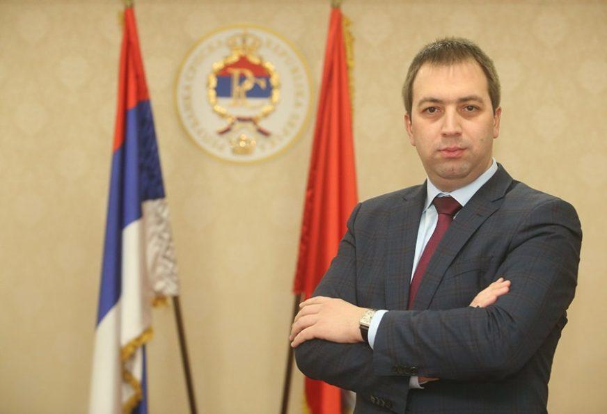 """""""NAROD JE UMORAN OD SVAĐA"""" Selak smatra da prioritet svih u Srpskoj treba da bude bolji život građana"""