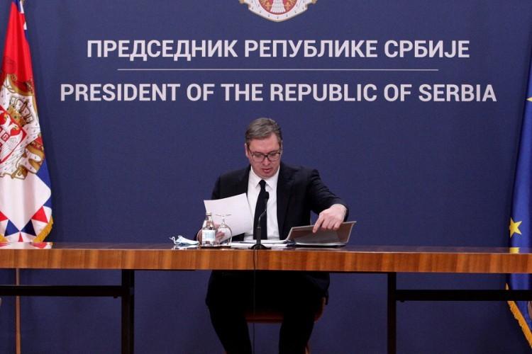 Vučić: U Srbiju stiglo još 10.000 vakcina protiv korone