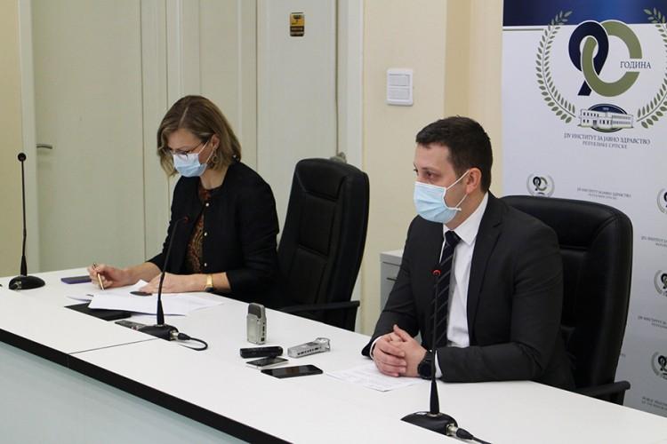Zeljković: Nerealno očekivati veliku količinu vakcina u kratkom roku