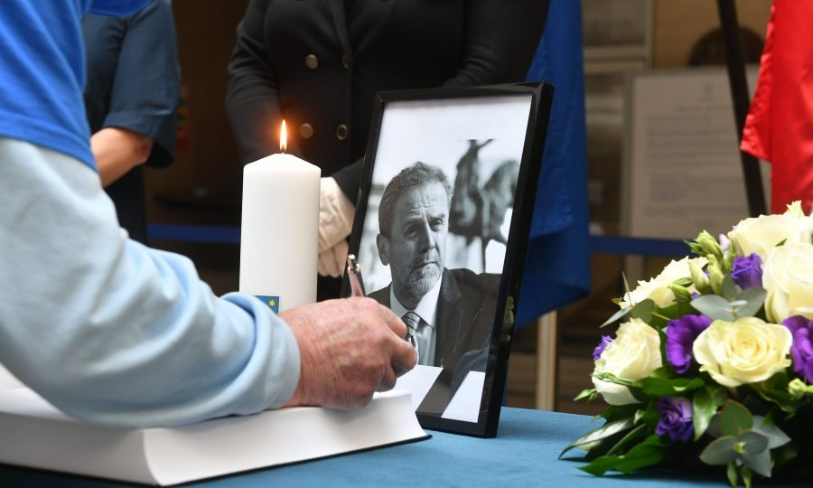 U Zagrebu danas Dan žalosti povodom smrti Bandića