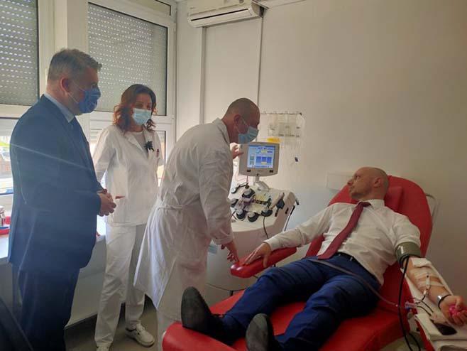 Počelo prikuljanje krvne plazme od osoba koje su preboljele kovid