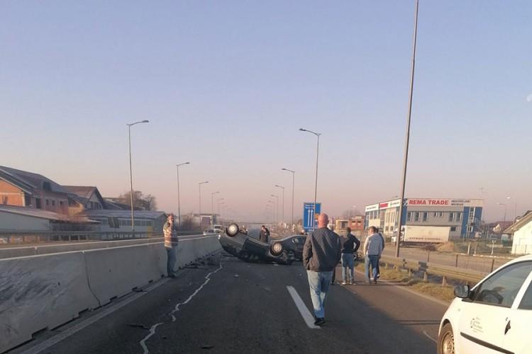 Udes u Trnu: Ima povrijeđenih, obustavljen saobraćaj prema Banjaluci