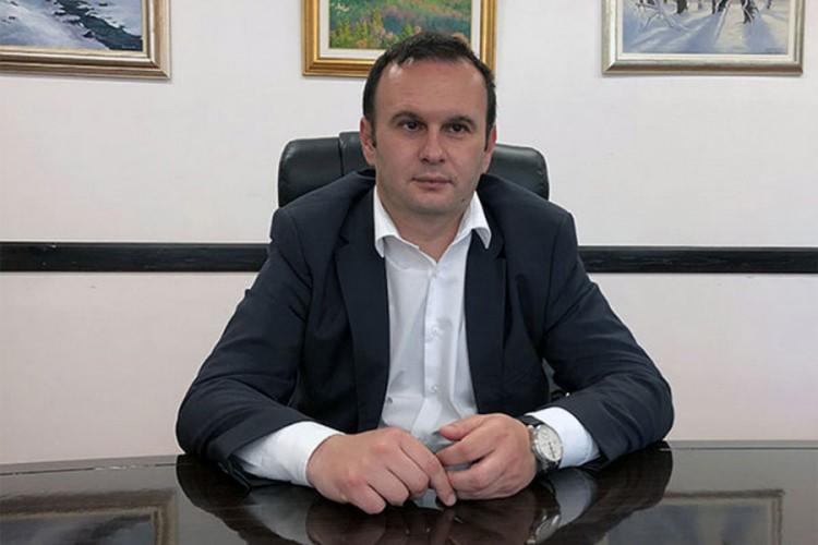 Ćosić traži uklanjanje tabli u Sarajevu kojima se podstiče mržnja prema Srbima