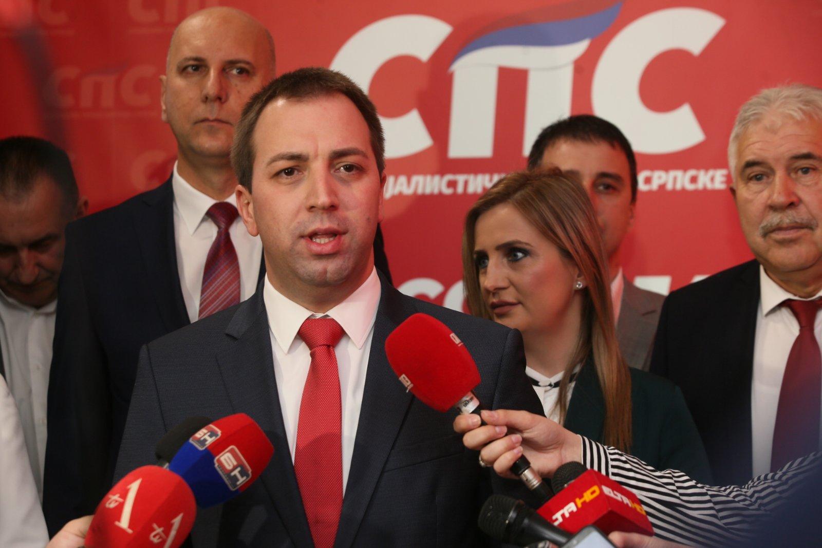 Selak: Narod Republike Srpske duboko zahvalan ruskim dobrovoljcima