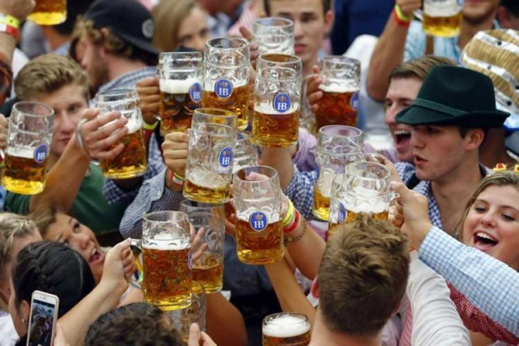 Upitan Oktoberfest i ove godine