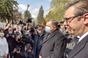 Vučić: Biće dovoljno vakcina i za Srpsku