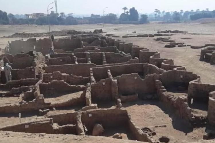 """""""Zlatni grad"""" star 3.000 godina pronađen u Egiptu"""