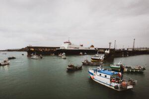 Francuski ribari blokirali luku u Lamanšu, patrola nadzire vode