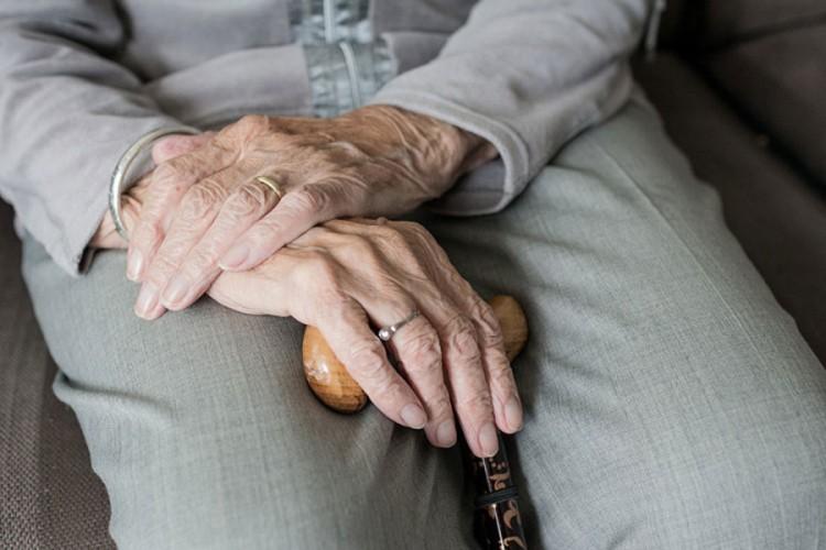 Počela isplata penzija za april, najviša 2.138 KM